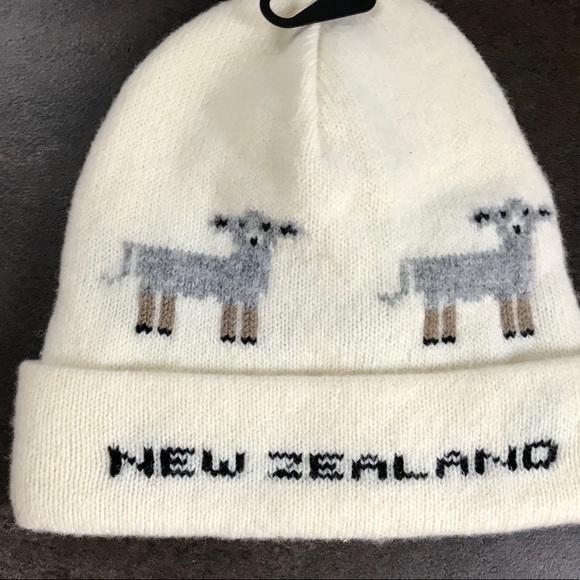 652422c8fb2 NWT New Zealand Cute Sheep Merino Wool Beanie Hat